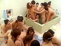 twenty women want one guy in the public bathhouse