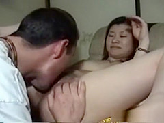 Asian amateur babes just love to suck