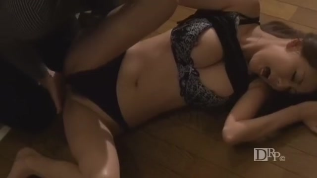 Akari Asagiri in AV Idol Delivery Service